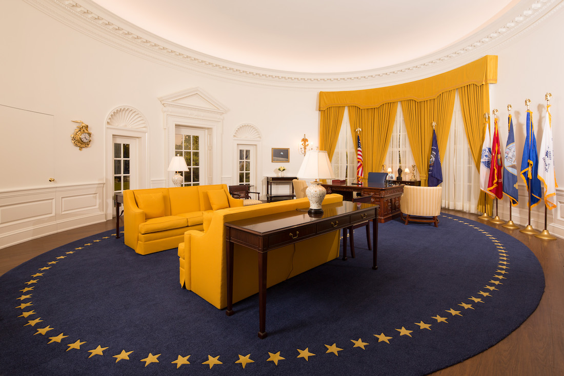 President nixon 39 s oval office now on display at nixon library Oval office decor by president