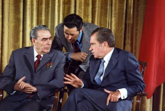 Optimized-Leonid_Brezhnev_and_Richard_Nixon_talks_in_1973