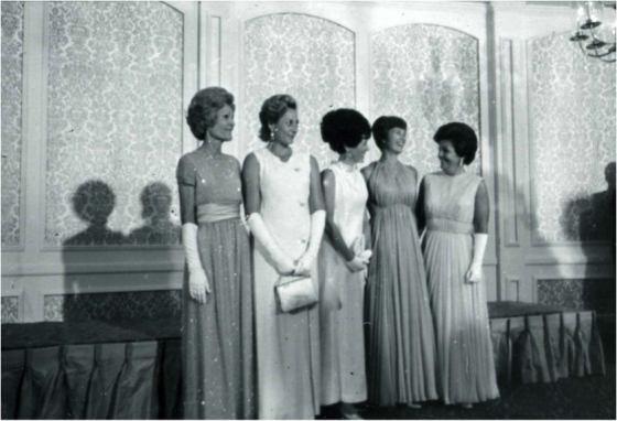 Pat Nixon and Apollo Wives